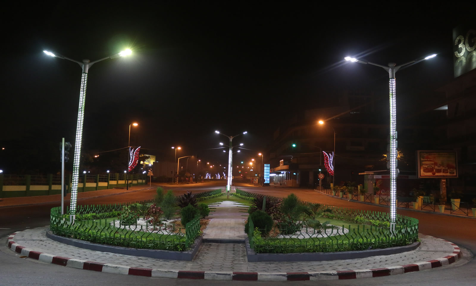 Plateau rond point nuit