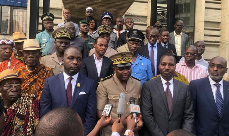 Séance de sensibilisation du préfet d`Abidjan avec les maires, les guides religieux et traditionnels